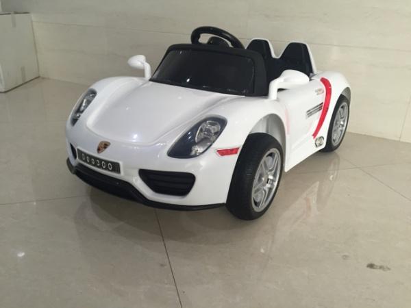 Электромобиль Rivertoys Porshe O003OO с дистанционным управлением, белый