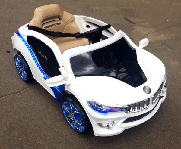 Электромобиль Rivertoys BMW O002OO VIP с дистанционным управлением, белый